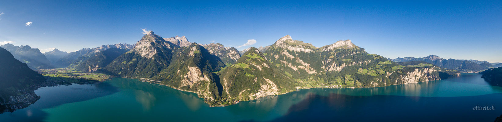 Panorama vom Urnersee mit Blick Richtung Isenthal