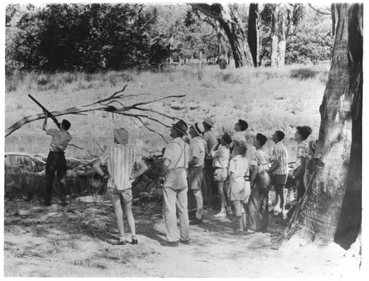 1960s Charlie Whitla Instructing Schoolboys - Ovens River out past Waldara