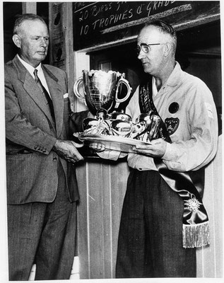 1958 03 07 Claude Dean National Single Barrel Champion here with the ACTA Pres.