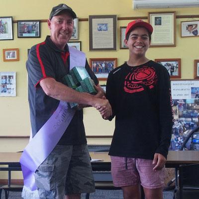 C Grade winner, Col Crittenden, being congratulated by substitute Pres. Mattie Motha.