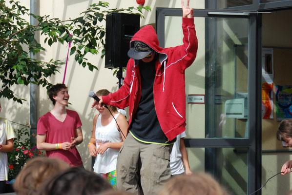 Profi-Rapper: Frau Ayasse genießt das Rampenlicht