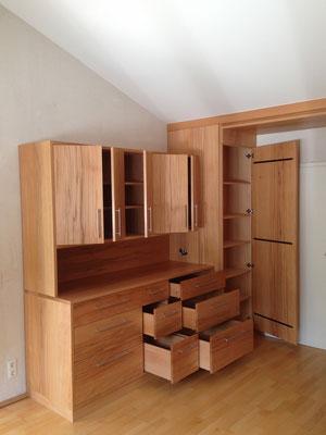 www.der-einbauschrank.de     Schlafzimmereinbauschrank in Massivholz