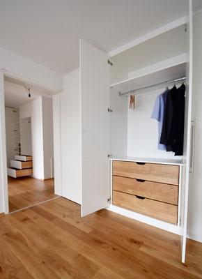 www.der-einbauschrank.de     Schlafzimmereinbauschrank weiß