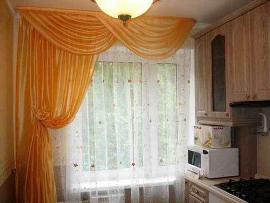 Класичні штори на кухню