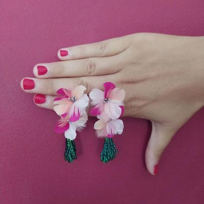 Boucles cerisier en plumes