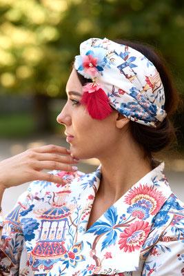Shooting par @luigi_rome: le turban Odalisque et sa broche Fleur en plumes
