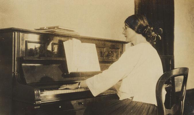 Marjorie Strachey 1918