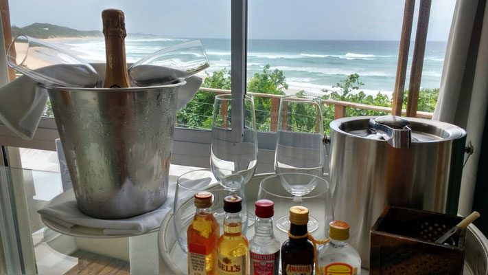 Champagne on ice at White Pearl Resorts, Mozambique. Dante Harker