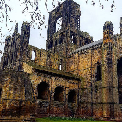 Yes, more of the Abbey!