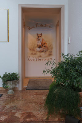 Eingang zum Fuchsbau 1 und Fuchsbau 2