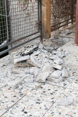 Anfang April haben wir mit dem Abbruch des alten Terrassenbodens begonnen.