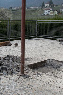 """Geländer und Terrakottaboden waren gut 50 Jahre lang im """"Einsatz""""."""