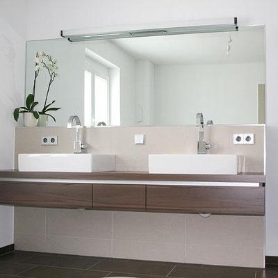 Waschtischplatte mit Aufsatzwaschbecken