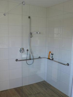 Bodengleiche Dusche -  Glaswand feststehend