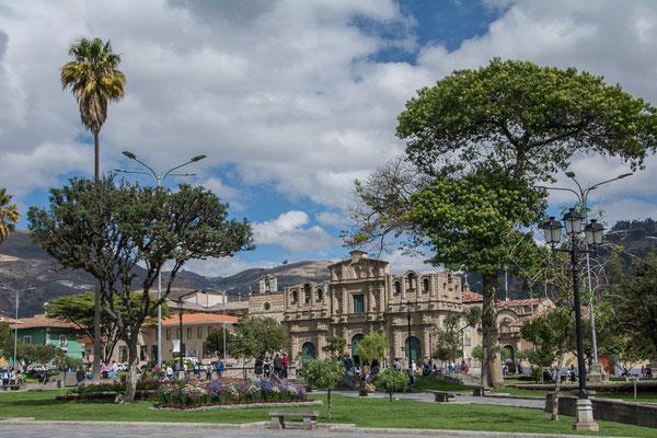 An der Plaza de Armas von Cajamarca