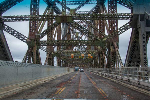 Die alte Stahlbrücke nach Quebec City