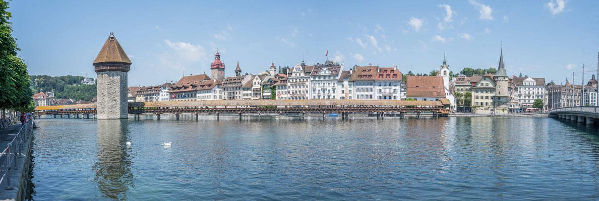 Kapellbrücke mit Altstadt Luzern