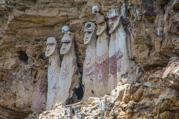 Die berühmten Figuren von  Karajia