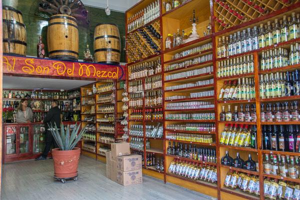 Zacatecas, in der Gegend wird auch Mescal (der mit dem Wurm) hergestellt