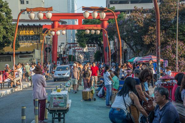 Im asiatischen Viertel der Stadt