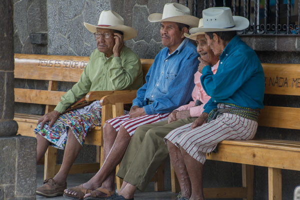 Seniorentreff in Santiago Atitlan