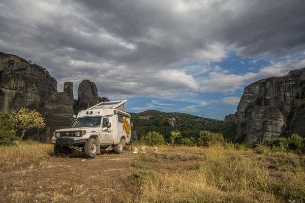 Schöner Stellplatz mit Sicht auf die Meteora Klöster
