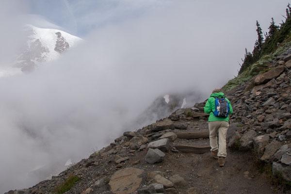 Ein kurzer Blick auf den Gipfel des Mt. Rainier