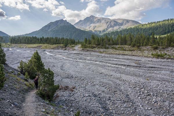 Wanderung zur Alp Chera