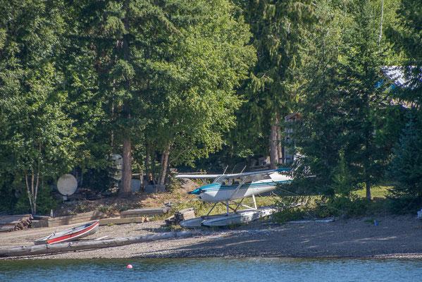 Ferienhaus am See, Wasserflugzeug inklusive