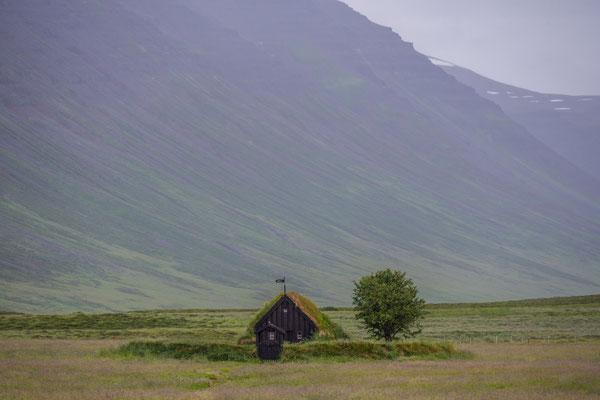 Die älteste Kirche Islands, Grafarkirkja