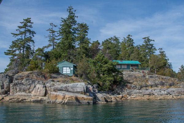 Stop auf  der privaten Insel von Freunden