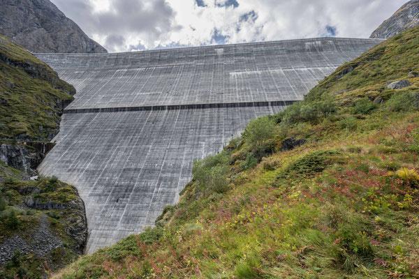 Staumauer von Grand Dixance (285m hoch)