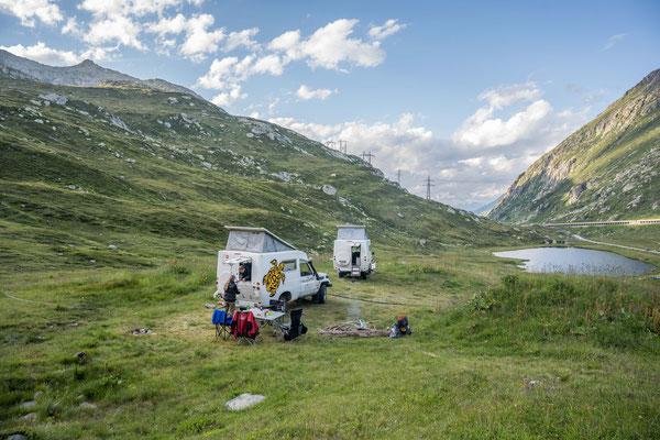 Wildcamp auf dem Gotthard mit Freunden