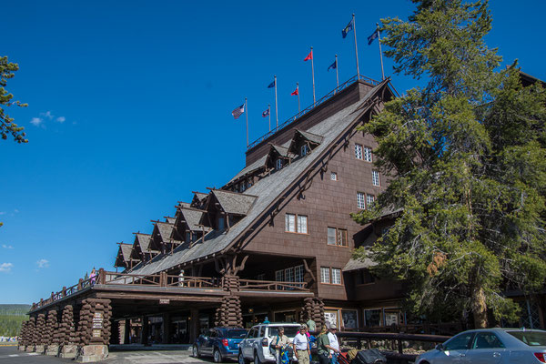 Das berühmte Old Faithful Inn