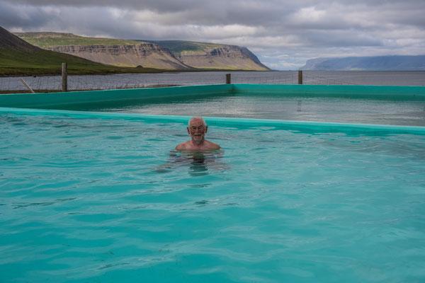 Reykjafjarðarlaug Hot Pool, mitten im Nirgendwo
