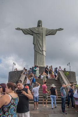 Die Christus Statue auf dem Corcovado (700 müM) 38 m hoch ohne Sockel