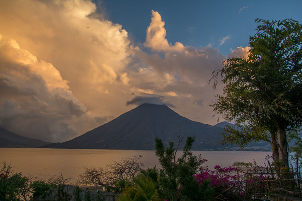 Abendstimmung am Lago Atitlan