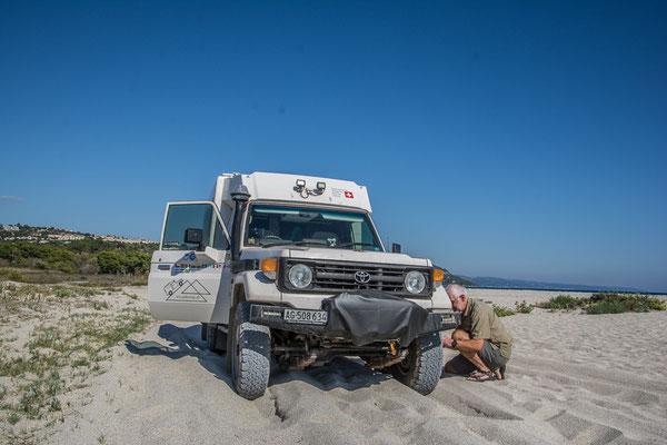 Uuups, der Sand war wohl weicher als gedacht...