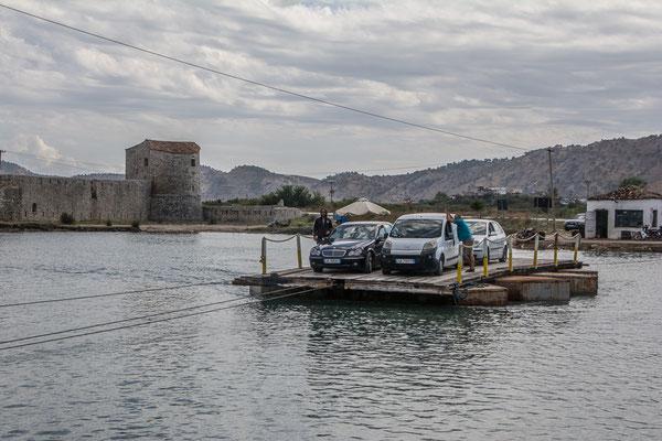 Fähre über die Meerenge bei Butrint