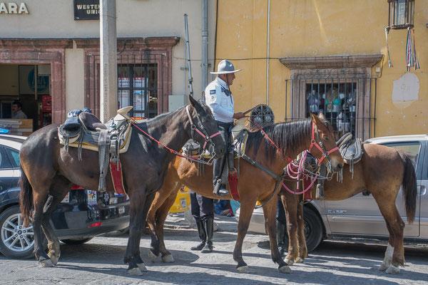 Polizia Municipal, auch mal auf Pferden unterwegs