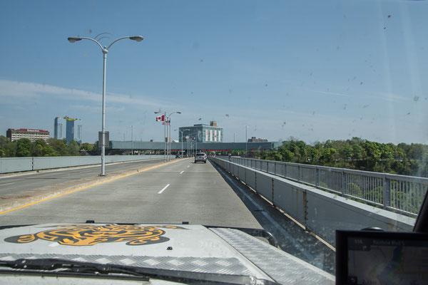 Auf dem Weg an die Grenz in Niagara Falls