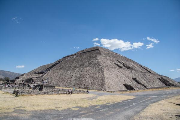 Sonnen Pyramide
