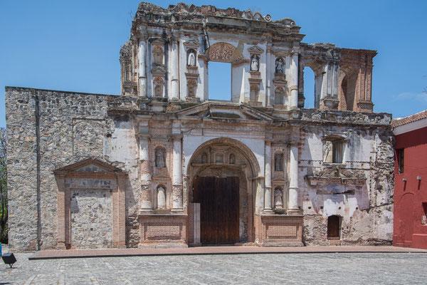 Viele Kirchen sind nach Erdbeben nicht wieder aufgebaut worden