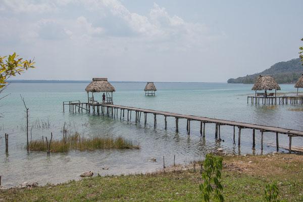 Am Ostende des Lago Peten Itza bei El Remada
