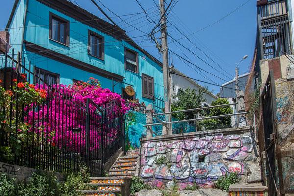 Valpariso ist bekannt für seine vielen Murale