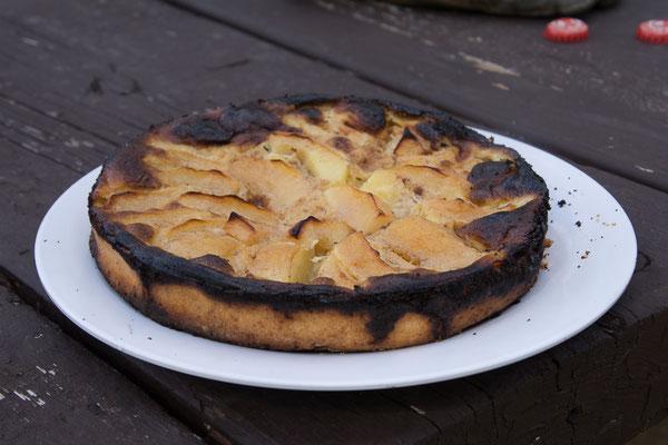 Apfelwähe im Campoven gebacken. Etwas dunkel noch aber fein