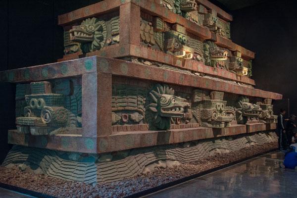 Eine Replica der Pyramide von Teotihuacan