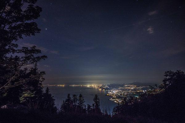 Nachtstimmung am Genfer See über Montreux