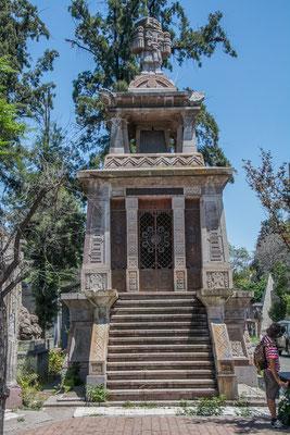 Über 2,5 Millionen Menschen liegen auf dem Friedhof Santiagos
