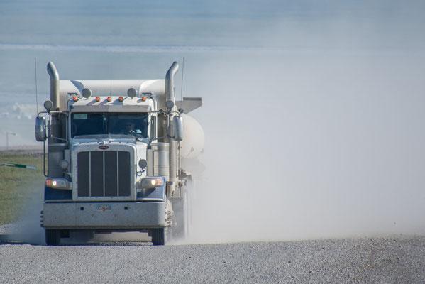Trucks, hoch und runter mit Versorgungsgütern